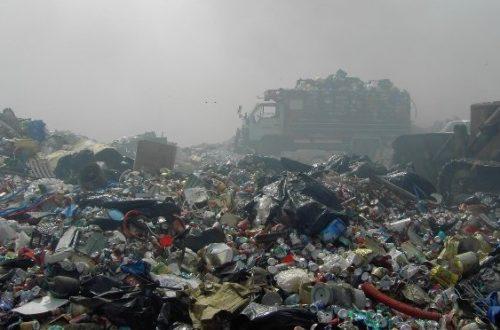 Article : La capitale mauritanienne croupit sous les ordures: Les membres du gouvernement jouent aux éboueurs